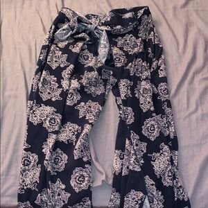 Pants - Tied cut out flowy pants navy blue small